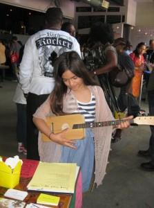 Loog Guitars at Kindiefest 2011