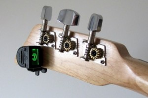 Mini Headstock Tuner from Loog Guitars