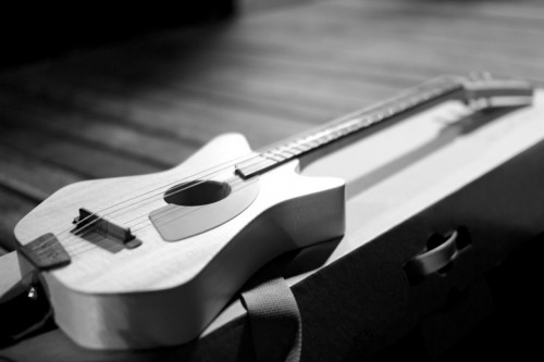 The Loog Guitar - Picture by Nicolás Lejtreger