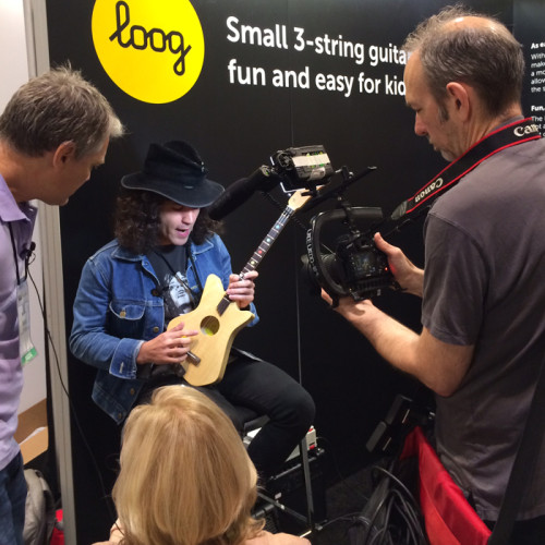 Trying the Loog Guitar at Summer NAMM