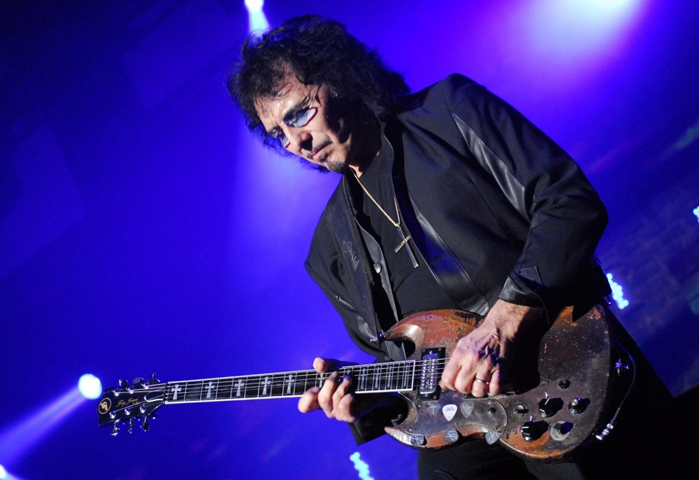5 awesome guitarists who overcame their physical disabilities. Black Bedroom Furniture Sets. Home Design Ideas
